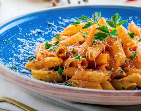 L'importanza della dieta mediterranea: per dimagrire 2 chili, stare in salute e vivere più a lungo
